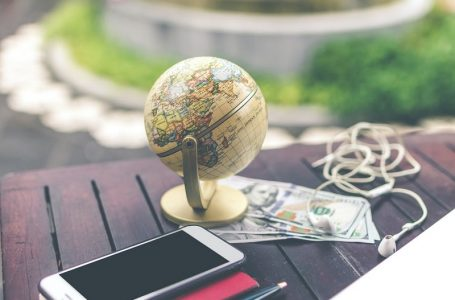 Studying Abroad Money Saving Tips: 11 hacks to cut the costs.